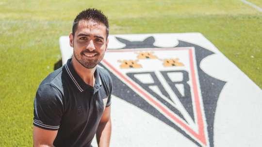 Il veut remonter l'équipe en Première Division. Twitter/FundaciónAlbaceteFemenino