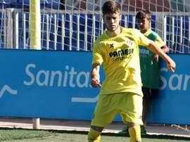 Miguel Llambrich, Miguelón, en un partido con el Villarreal B. Twitter