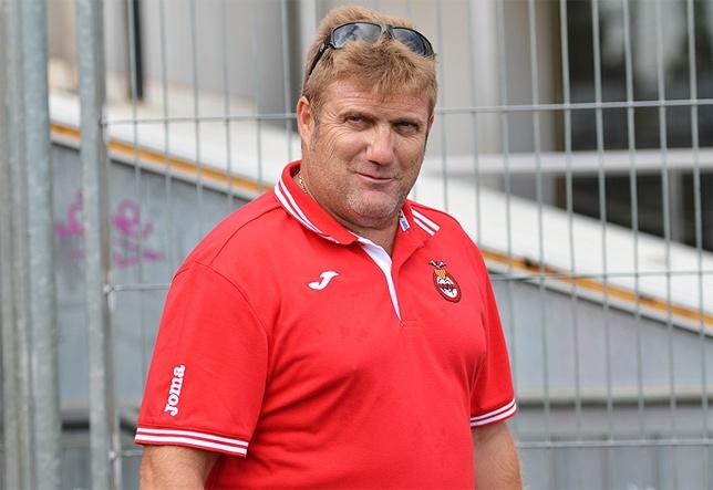 Miguel López ha renunciado a su cargo como entrenador del Masnou, colista del Grupo V de Tercera División. Twitter
