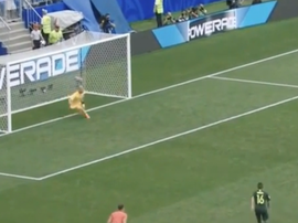 Jedinak doesn't miss penalties. Captura