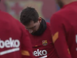 Barcelona held a minute's silence for Maradona before training. Screenshot/FCBarcelona_es