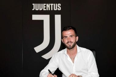 Pjanic, 'bianconeri' até 2023. Twitter/JuventusFC