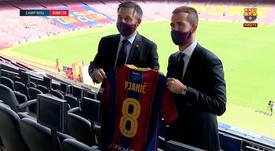 Pjanic récupère le numéro 8 d'Arthur. Capture/Barça TV