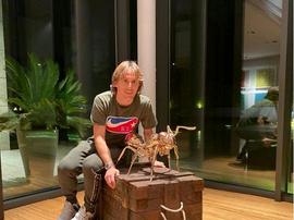 Modric compra una formica da 5.000 euro! Instagram/ishiwut