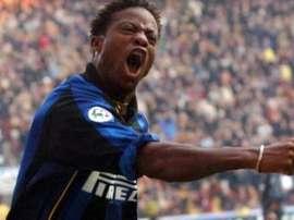 Kallon celebra con efusividad un gol con el Inter.
