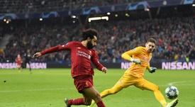 Sem ângulo, Salah marcou um belo segundo gol. Twitter/LFC
