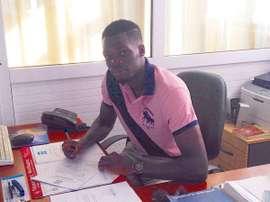 Moise Adilehou ha firmado un contrato de dos años. Kerkyra