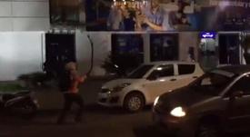 Enfrentamientos entre hinchas de Wilstermann y Colo Colo. Captura/rodrigogomezf