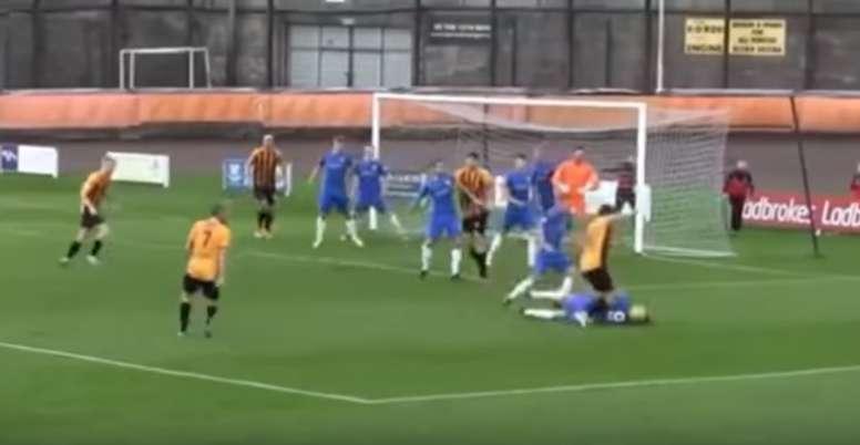 El absurdo penalti ocurrió en Escocia. Youtube