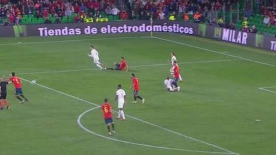 Inglaterra, indignada con la acción de Ramos. Captura/TVE
