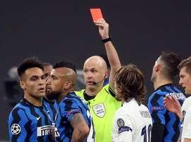Vidal pourrait avoir dit au revoir à la Ligue des champions suite à son expulsion. EFE