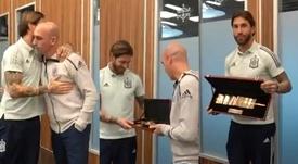 Espanha premiou Ramos com um braçadeira de ouro. Capturas/SeFutbol