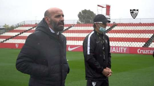 Monchi defended his ex-teammate. Screenshot/SevillaFC