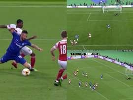 Giroud forzó el penalti y Hazard hizo el tercero. Capturas/Movistar