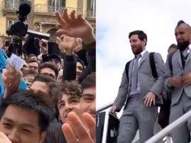 Messi, aclamado em sua chegada a Nápoles. Capturas/Twitter/FCBarcelona_es