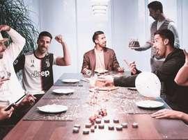 Khedira comemora seu aniversário... com seus seis clones. Instagram/sami_khedira6