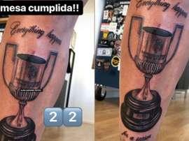 Santi Mina s'est tatoué la Coupe du Roi. Instagram/alan.tattooartist