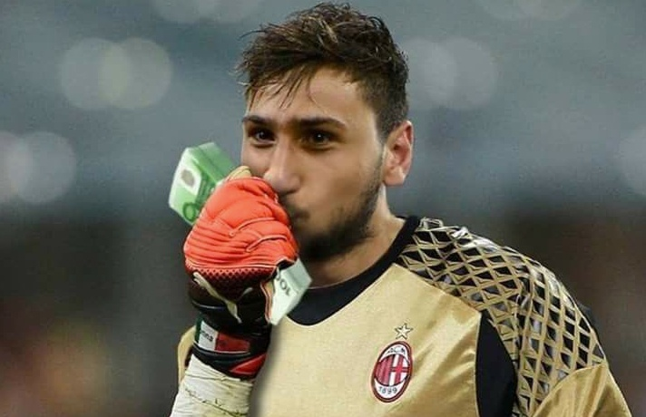 Donnarumma has been accused of looking for a big pay day. Twitter/gazzetadelmilan