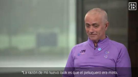Quand Mourinho accuse son coiffeur de son nouveau look. Capture/DAZN