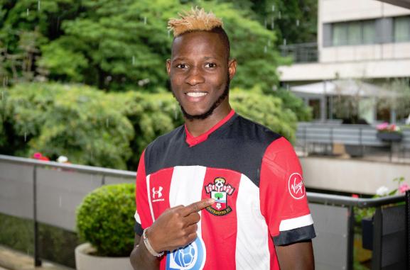 OFFICIEL : Djenepo est un joueur de Southampton. SouthamptonFC