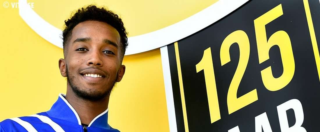 Muhktar Ali has completed a permanent move to Dutch side Vitesse. Vitesse