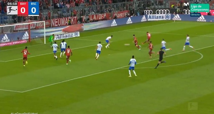 Müller hizo el primero. Captura/MovistarLigadeCampeones