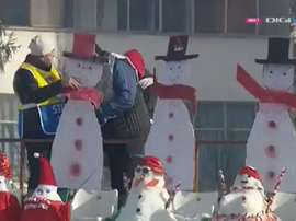 Snowmen in attendance in Romania. Screenshot/DigiSport