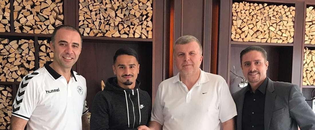 El centrocampista suizo ha llegado a un acuerdo por cinco temporadas. Konyaspor