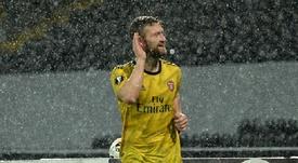 Mustafi se glisse dans les plans du Galatasaray. Twitter/Arsenal