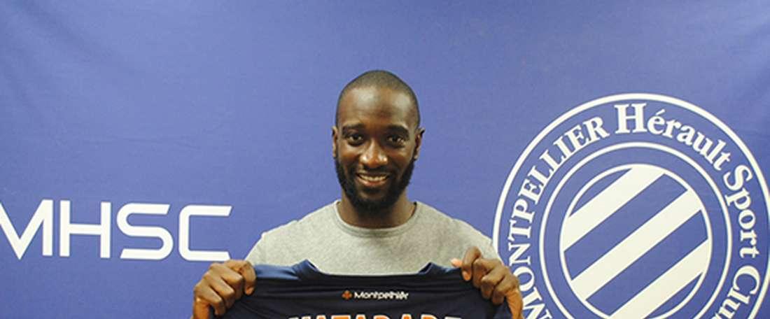 Mustapha Yatabaré posa con la camiseta de su nuevo equipo, el Montpellier francés. MHSCFoot