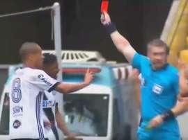 Naldo condicionó a los suyos, que perdieron por 2-0. Youtube/ JoãoDutra