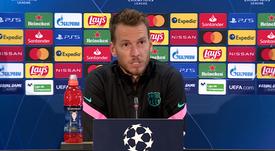 Neto acaba de falar em coletiva de imprensa. Captura/FCBarcelona