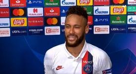 Neymar, feliz tras el agónico pase. Captura/Movistar+
