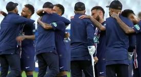 O consolo de Neymar ao lesionado Mbappé. Capturas/kelyan_mbabi2