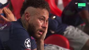 Neymar inconsolabile in panchina. MovistarLigadeCampeones