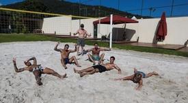 Neymar, junto com amigos em sua mansão no Brasil durante a quarentena. Instagram/neymarjr