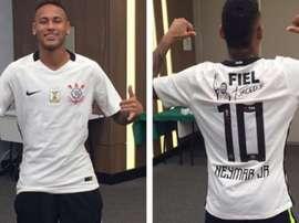 La foto no le ha hecho mucha gracia a los aficionados de Santos. Corinthians