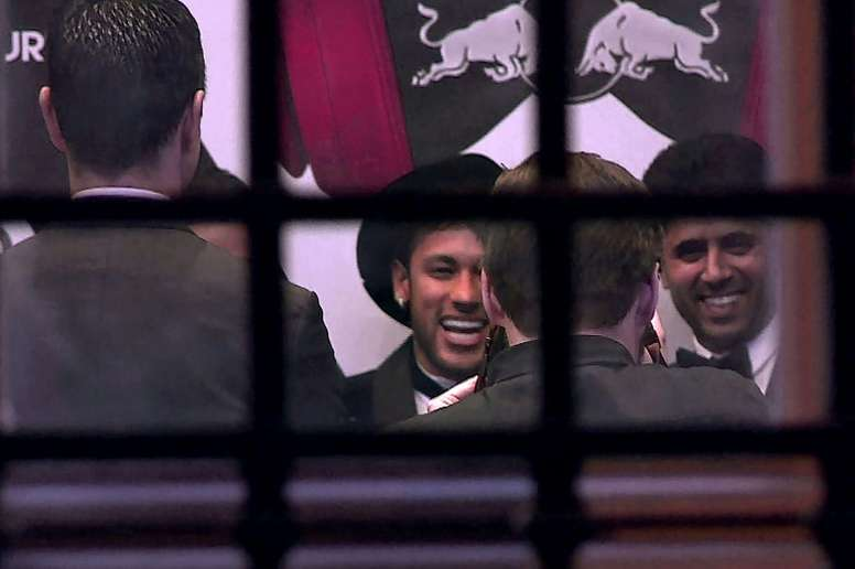 Neymar and Al-Khelaifi at dinner. AFP