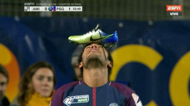 Neymar marcó desde el punto de penalti y lo celebró de una forma bastante curiosa. Captura/ESPN