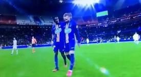 ¡Tiembla el PSG! Neymar se marchó al descanso cojeando. Captura/beINSports