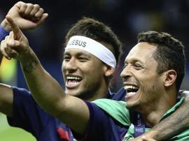Adriano acredita que Neymar está arrependido. EFE