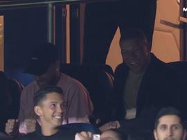 Neymar et Mbappé apprécient le spectacle. Capture/Movistar+