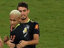O meia terminou chorando depois da partida. AFP