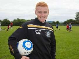 Niall McGuinness, entrenador del Rhyl FC. Twitter