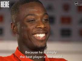 Nicolas Pépé, durante sua primeira entrevista para o Arsenal. ArsenalFC