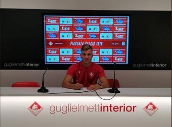 Nicolò Armini llega cedido al Piacenza Calcio 1919 hasta el 2022. Twitter/PiacenzaCalcio
