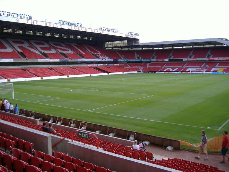 El Nottingham Forst busca un nuevo delantero. Nottinghamforest.co.uk