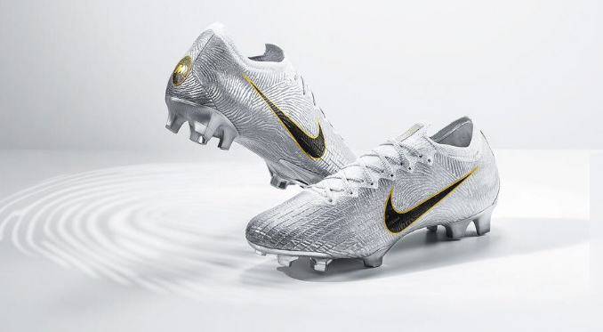 53b1cfead Pin The boots made by Nike in honour of Modric's Ballon d'Or win.  ABCDEFUTBOL