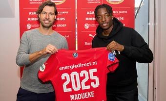 Madueke se queda. PSV