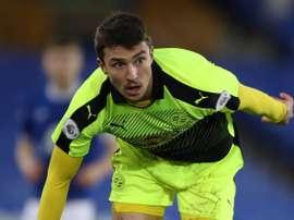 Novakovich continuará su carrera en el Telstar holandés. ReadingFC